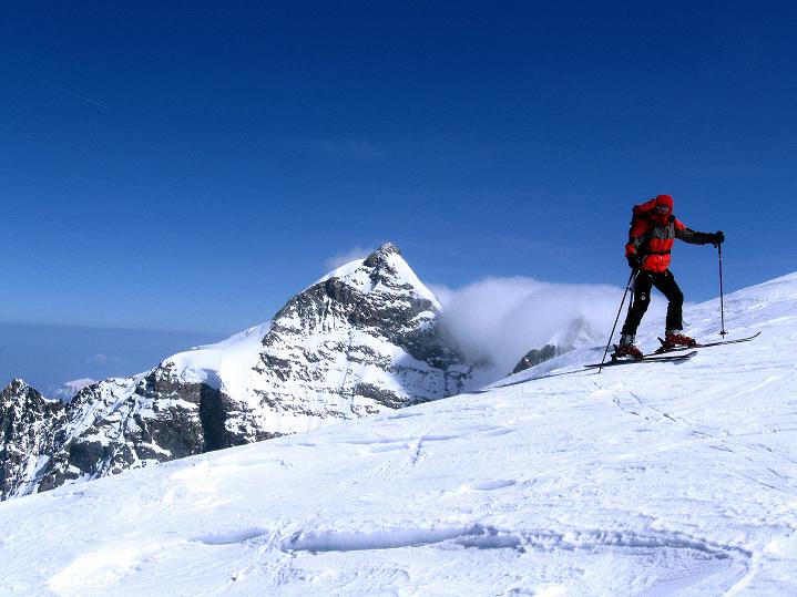 Foto: Andreas Koller / Ski Tour / Berner Alpen Durchquerung 2: Äbeni Flue (3962m) / Aufstieg im Banne der Jungfrau (4158 m) / 17.04.2009 22:59:06