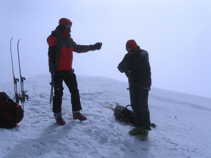 Foto: Andreas Koller / Ski Tour / Berner Alpen Durchquerung 2: Äbeni Flue (3962m) / Am Gipfel der Äbeni Flue / 17.04.2009 22:58:41