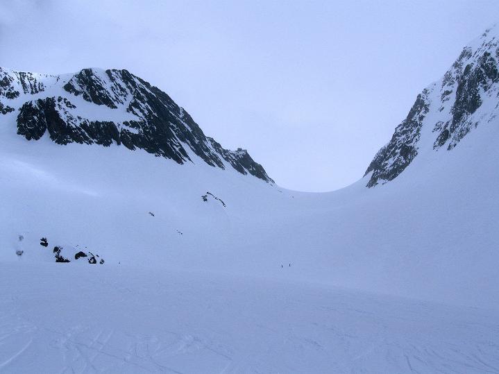 Foto: Andreas Koller / Ski Tour / Berner Alpen Durchquerung 2: Äbeni Flue (3962m) / Von der Lötschenlücke über den Langgletscher ins Lötschental / 17.04.2009 22:56:54