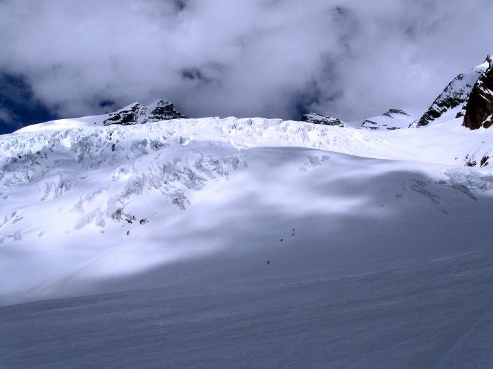 Foto: Andreas Koller / Ski Tour / Berner Alpen Durchquerung 2: Äbeni Flue (3962m) / 17.04.2009 22:56:14