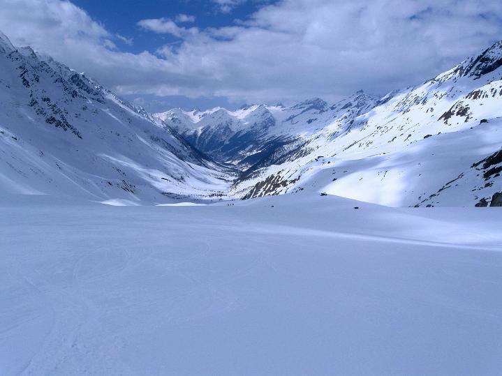 Foto: Andreas Koller / Ski Tour / Berner Alpen Durchquerung 2: Äbeni Flue (3962m) / Lötschental / 17.04.2009 22:56:06