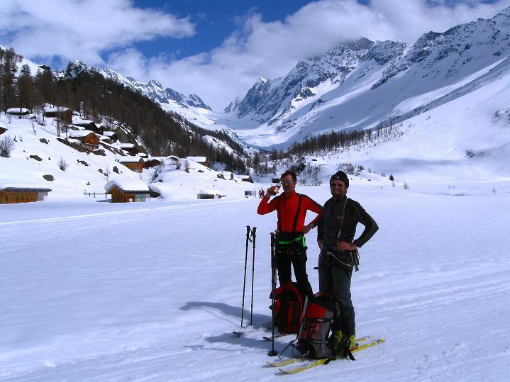 Foto: Andreas Koller / Ski Tour / Berner Alpen Durchquerung 2: Äbeni Flue (3962m) / Auf der Falferalp im Lötschental / 17.04.2009 22:55:40