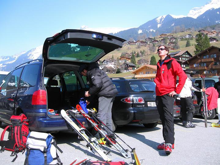 Foto: Andreas Koller / Ski Tour / Berner Alpen Durchquerung 1: Louwihorn (3777m) / Startpunkt Grindelwald / 16.04.2009 23:05:39