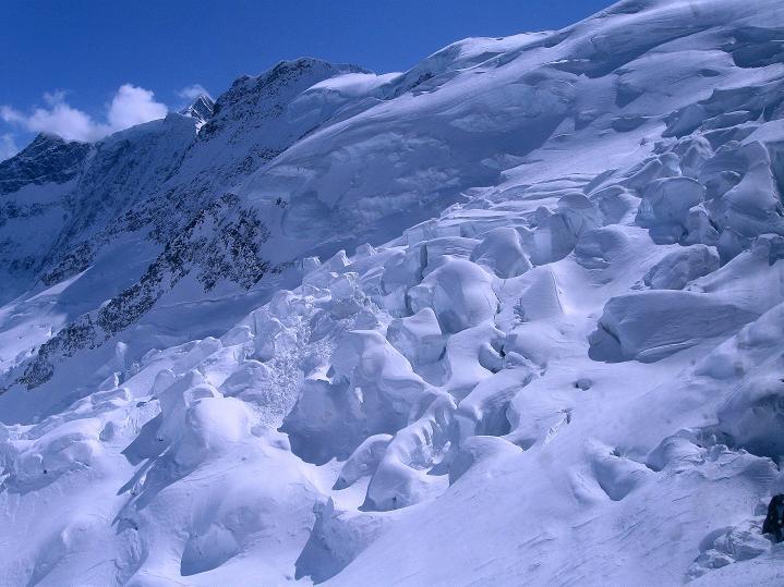 Foto: Andreas Koller / Ski Tour / Berner Alpen Durchquerung 1: Louwihorn (3777m) / Eigergletscher / 16.04.2009 23:01:59