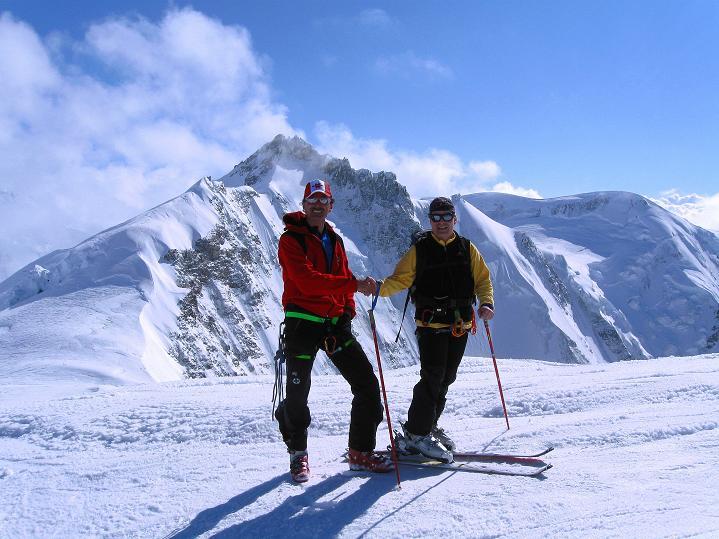 Foto: Andreas Koller / Ski Tour / Berner Alpen Durchquerung 1: Louwihorn (3777m) / Am Louwihorn  / 16.04.2009 22:50:24