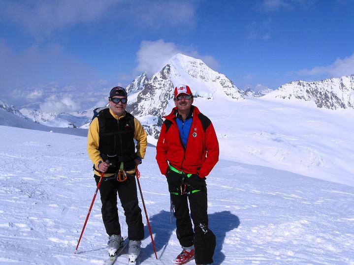 Foto: Andreas Koller / Ski Tour / Berner Alpen Durchquerung 1: Louwihorn (3777m) / 16.04.2009 22:49:02