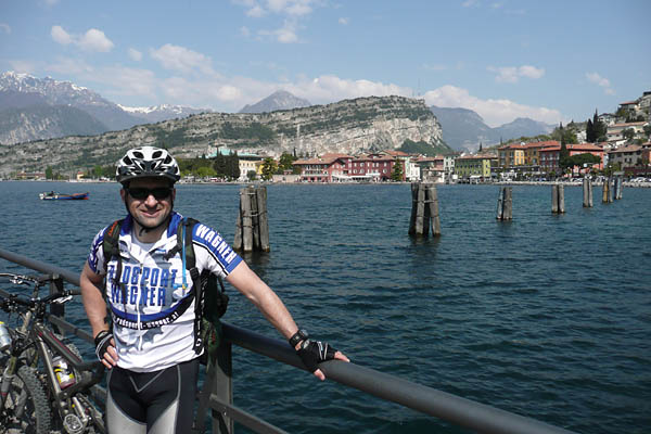 Foto: Lenswork.at / Ch. Streili / Mountainbike Tour / Torbole - Limone - Vesio - Passa Nota - Passa Rocchetta - Riva / 16.04.2009 14:26:20