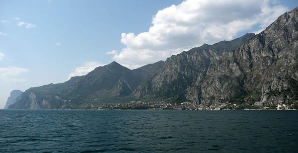 Foto: Lenswork.at / Ch. Streili / Mountainbike Tour / Torbole - Limone - Vesio - Passa Nota - Passa Rocchetta - Riva / 16.04.2009 14:26:15