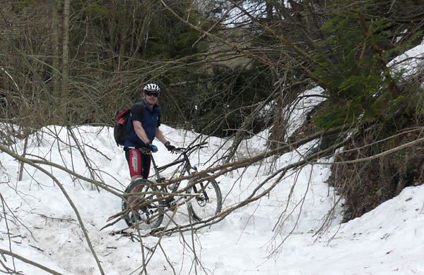 Foto: Lenswork.at / Ch. Streili / Mountainbike Tour / Torbole - Limone - Vesio - Passa Nota - Passa Rocchetta - Riva / 16.04.2009 14:26:01