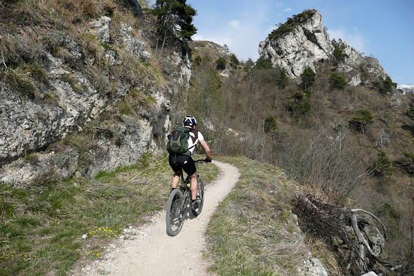 Foto: Lenswork.at / Ch. Streili / Mountainbike Tour / Torbole - Limone - Vesio - Passa Nota - Passa Rocchetta - Riva / 16.04.2009 14:25:34