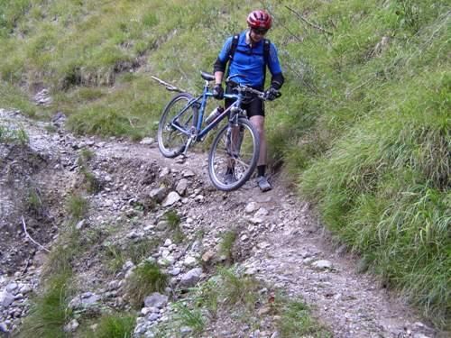 Foto: hofchri / Mountainbike Tour / Stoißer- und Steineralmrunde (1287 m) / schwieriger Trail von der Steineralm / 19.04.2009 15:26:55