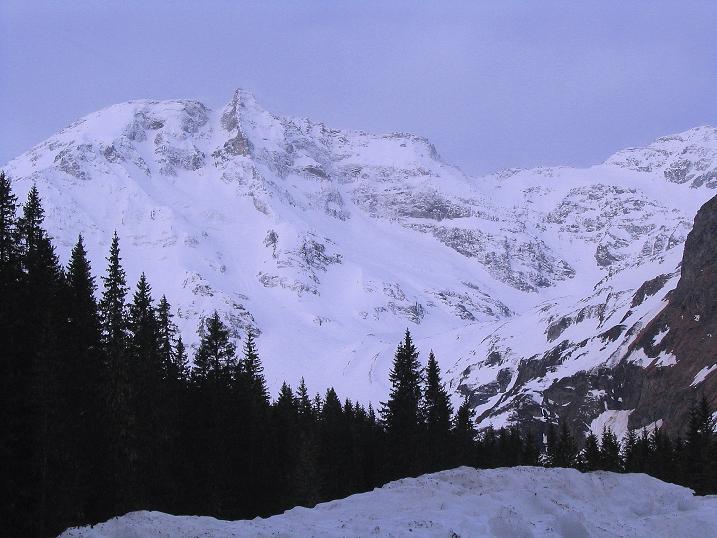Foto: Andreas Koller / Ski Tour / Übers Naturfreundehaus Neubau auf die Riffelhöhe (2556m) / Hoher Sonnblick (3106 m) / 27.04.2009 17:39:10