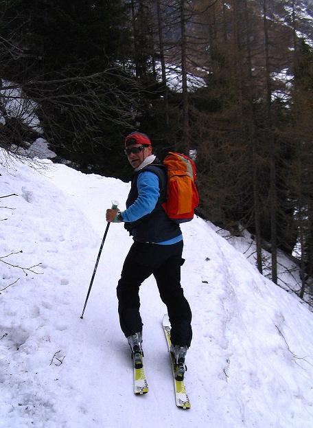 Foto: Andreas Koller / Ski Tour / Übers Naturfreundehaus Neubau auf die Riffelhöhe (2556m) / Steiles Gelände beim Barbarafall / 27.04.2009 17:38:44