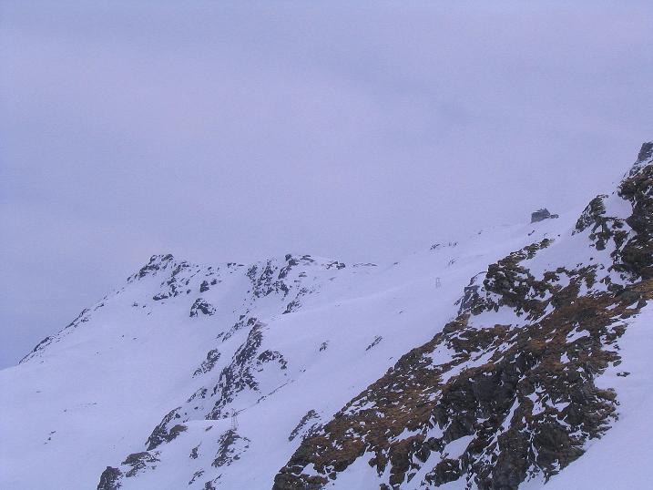 Foto: Andreas Koller / Ski Tour / Übers Naturfreundehaus Neubau auf die Riffelhöhe (2556m) / Das benachbarte Niedersachsenhaus / 27.04.2009 17:36:23