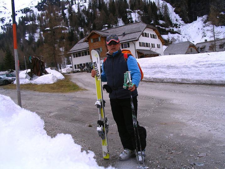 Foto: Andreas Koller / Ski Tour / Übers Naturfreundehaus Neubau auf die Riffelhöhe (2556m) / Kolm Saigurn Naturfreundehaus / 27.04.2009 17:33:47