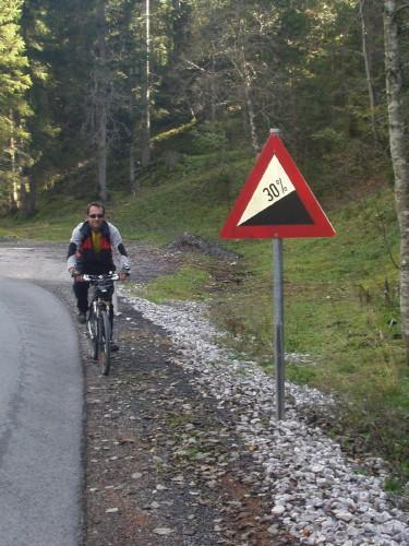 Foto: hofchri / Mountainbike Tour / Rund um den Hochkranz über Kallbrunnalm (1495m) / steile Sache / 27.04.2009 22:18:04
