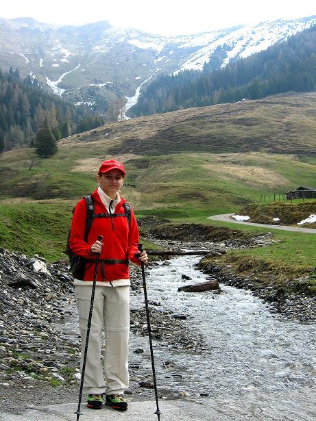 Foto: Andreas Koller / Wander Tour / Über die Karalm auf den Sladinkopf (2305 m) / Anstieg zur Karalm / 04.05.2009 17:36:20