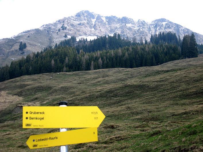 Foto: Andreas Koller / Wander Tour / Über die Karalm auf den Sladinkopf (2305 m) / 04.05.2009 17:35:51