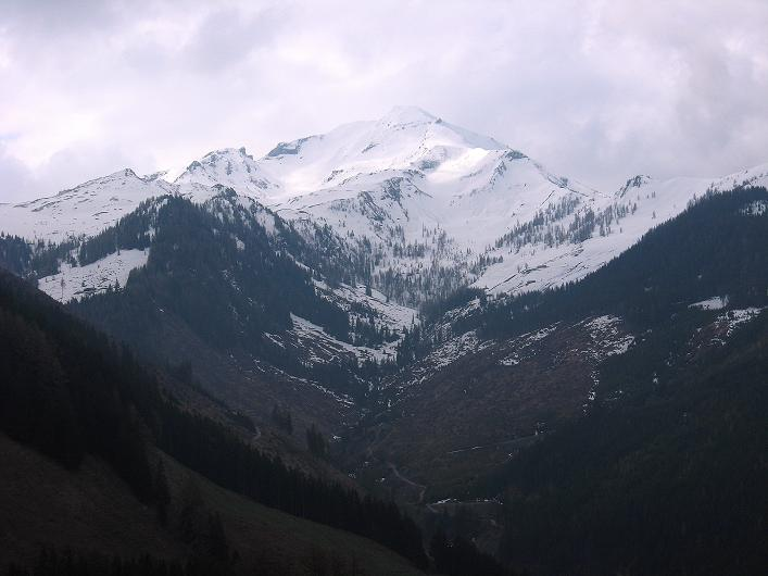 Foto: Andreas Koller / Wander Tour / Über die Karalm auf den Sladinkopf (2305 m) / Der Kramkogel (2454 m) / 04.05.2009 17:35:23