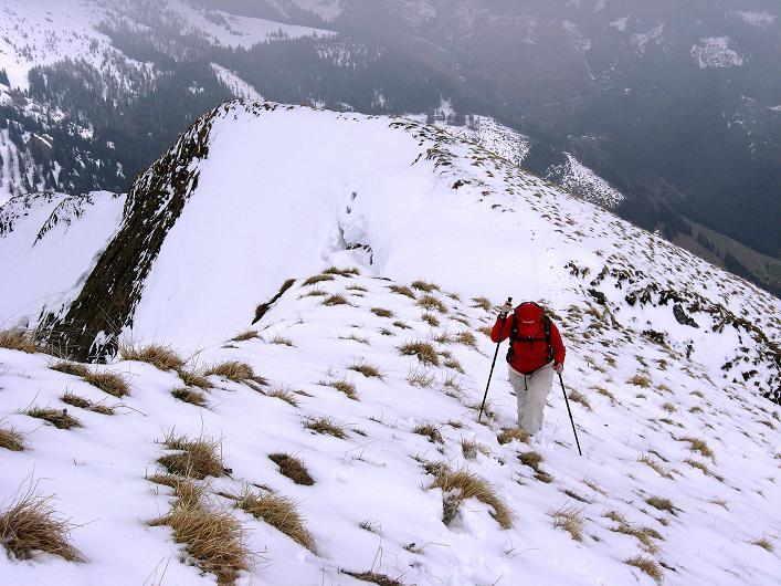 Foto: Andreas Koller / Wander Tour / Über die Karalm auf den Sladinkopf (2305 m) / Steil sind die letzten Meter allemal / 04.05.2009 17:29:50