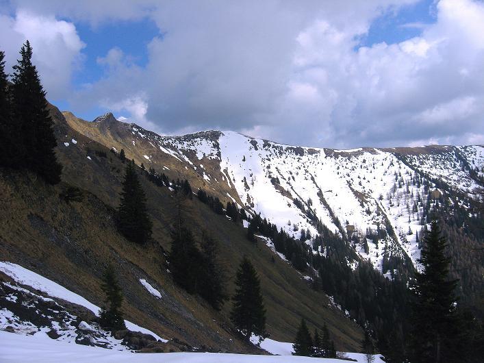 Foto: Andreas Koller / Wander Tour / Über die Karalm auf den Sladinkopf (2305 m) / 04.05.2009 17:22:22