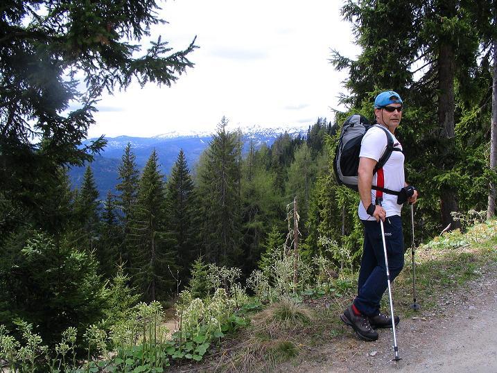 Foto: Andreas Koller / Wander Tour / Über die Dörfler Alm auf den Gstoder (2140m) / 10.05.2009 22:00:38