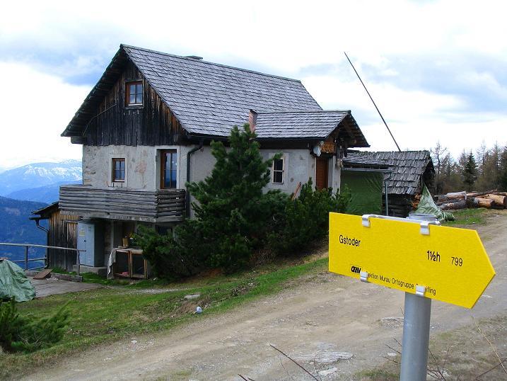 Foto: Andreas Koller / Wander Tour / Über die Dörfler Alm auf den Gstoder (2140m) / Pogoushütte / 10.05.2009 21:59:07