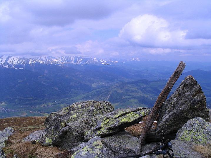 Foto: Andreas Koller / Wander Tour / Über die Dörfler Alm auf den Gstoder (2140m) / 10.05.2009 21:54:01