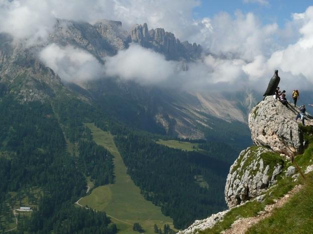 Foto: Manfred Karl / Klettersteig Tour / Via ferrata Masarè auf die Rotwand / Cristomannos Denkmal / 12.05.2009 19:26:07