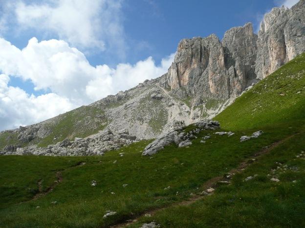 Foto: Manfred Karl / Klettersteig Tour / Via ferrata Masarè auf die Rotwand / Zustieg oberhalb der Rotwandhütte / 12.05.2009 19:25:26