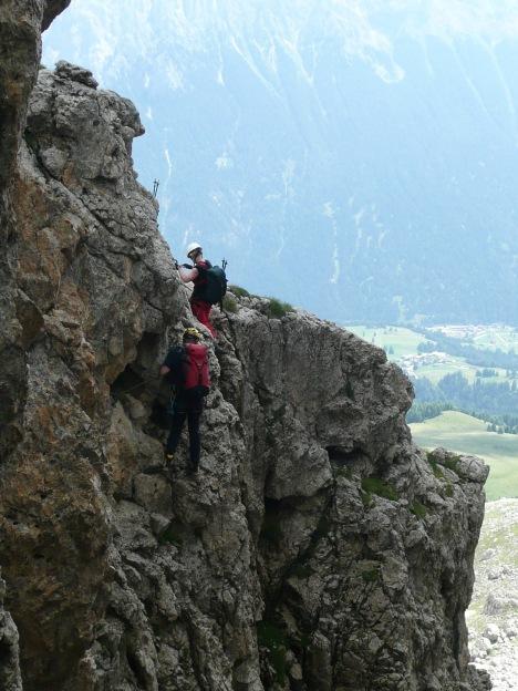 Foto: Manfred Karl / Klettersteig Tour / Via ferrata Masarè auf die Rotwand / Einer der vielen Quergänge / 12.05.2009 19:19:46
