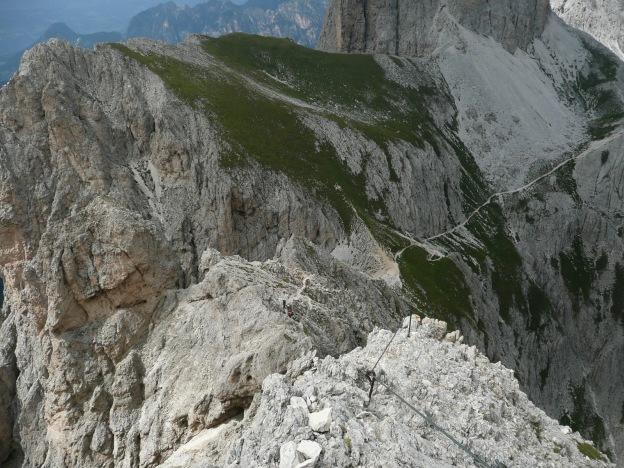 Foto: Manfred Karl / Klettersteig Tour / Via ferrata Masarè auf die Rotwand / Abstieg am Nordgrat / 12.05.2009 19:13:03