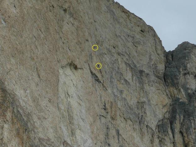 Foto: Manfred Karl / Klettersteig Tour / Via ferrata Masarè auf die Rotwand / Zwei Kletterer in der Westwand / 12.05.2009 19:10:35