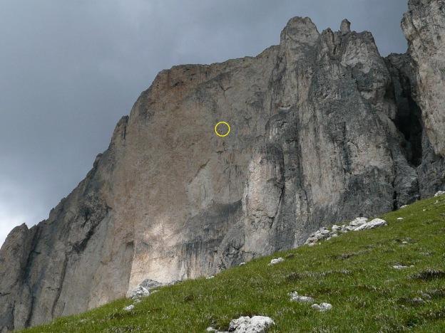 Foto: Manfred Karl / Klettersteig Tour / Via ferrata Masarè auf die Rotwand / Beeindruckende Dimension der Rotwand-Westwand / 12.05.2009 19:10:07