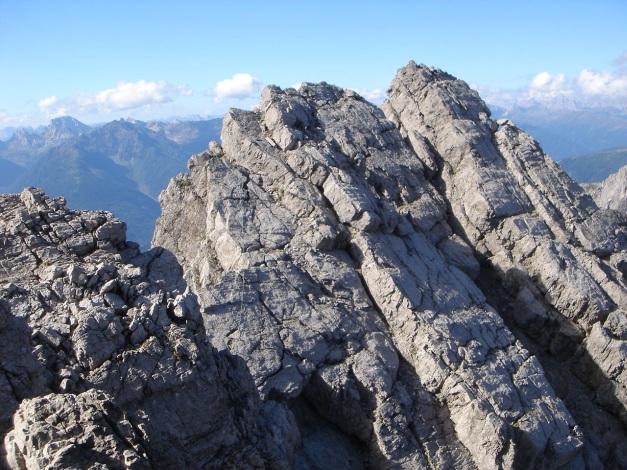 Foto: Manfred Karl / Klettersteig Tour / Seekofel Klettersteig / Es geht immer wieder bergauf - bergab. / 14.05.2009 23:10:19