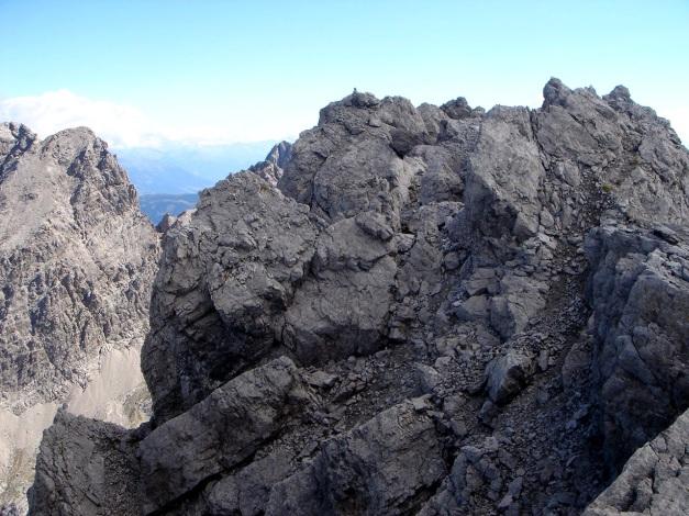 Foto: Manfred Karl / Klettersteig Tour / Seekofel Klettersteig / Am Gipfelgrat warten etliche ungesicherte Stellen / 14.05.2009 23:03:59