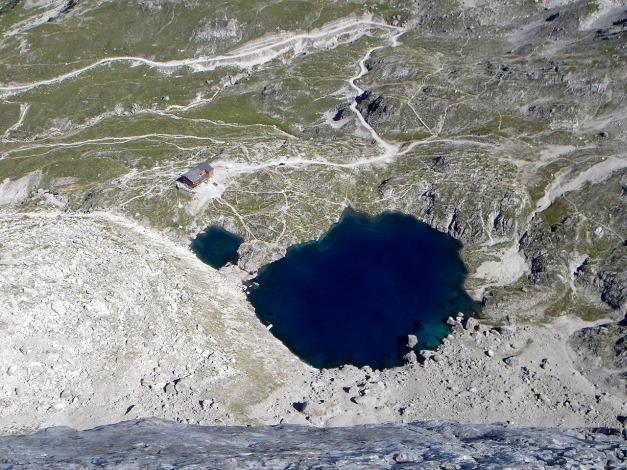 Foto: Manfred Karl / Klettersteig Tour / Seekofel Klettersteig / Sprung in den See? / 14.05.2009 23:01:29