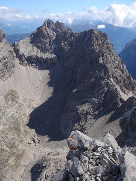 Foto: Manfred Karl / Klettersteig Tour / Seekofel Klettersteig / Gamsköpfe, dahinter Keilspitze / 14.05.2009 22:54:53