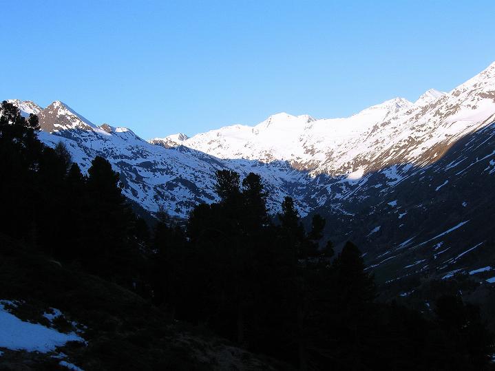 Foto: Andreas Koller / Ski Tour / Rassige Frühjahrstour auf die Schermerspitze (3117 m) / Der Ausgangspunkt ist Hochgurgl / 19.05.2009 02:03:35
