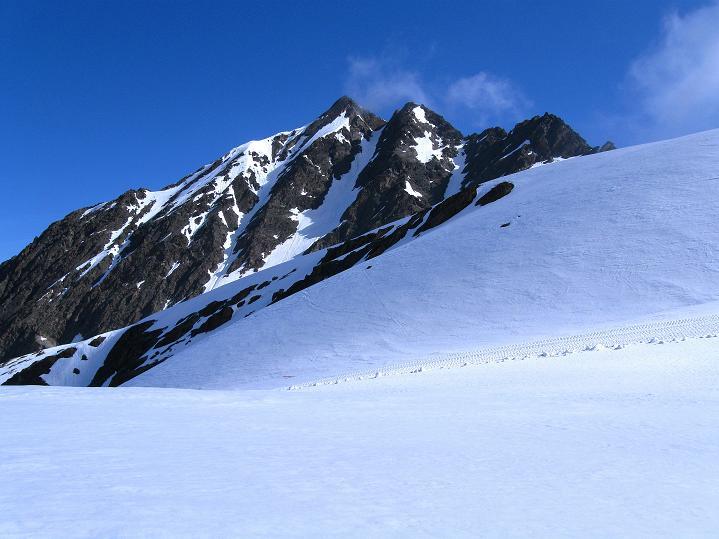 Foto: Andreas Koller / Ski Tour / Rassige Frühjahrstour auf die Schermerspitze (3117 m) / Der Kirchenkogel (3113 n) / 19.05.2009 01:51:48