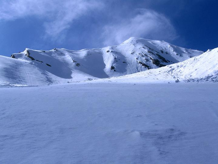 Foto: Andreas Koller / Ski Tour / Rassige Frühjahrstour auf die Schermerspitze (3117 m) / Die Schermerspitze - der Anstieg erfolgt von rechts / 19.05.2009 01:51:23