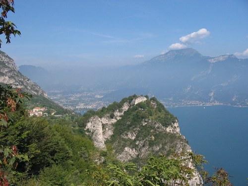 Foto: hofchri / Mountainbike Tour / Monte Tremalzo (1973m) – klassisch von Riva / 26.05.2009 11:05:48