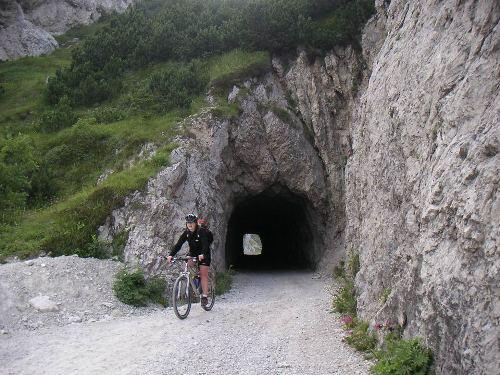 Foto: hofchri / Mountainbike Tour / Monte Tremalzo (1973m) – klassisch von Riva / 26.05.2009 11:05:53