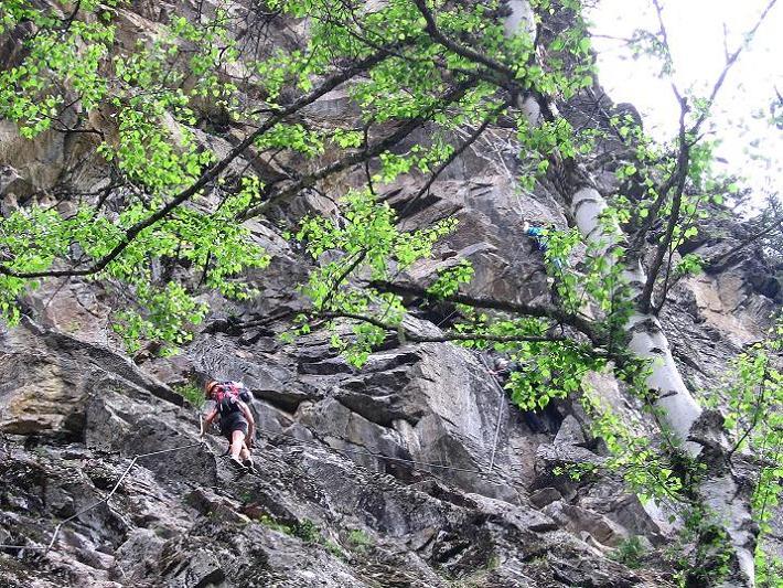 Foto: Andreas Koller / Klettersteig Tour / Stuibenfall Klettersteig (1460m) / Die nahezu senkrechte Wand / 25.05.2009 18:49:32