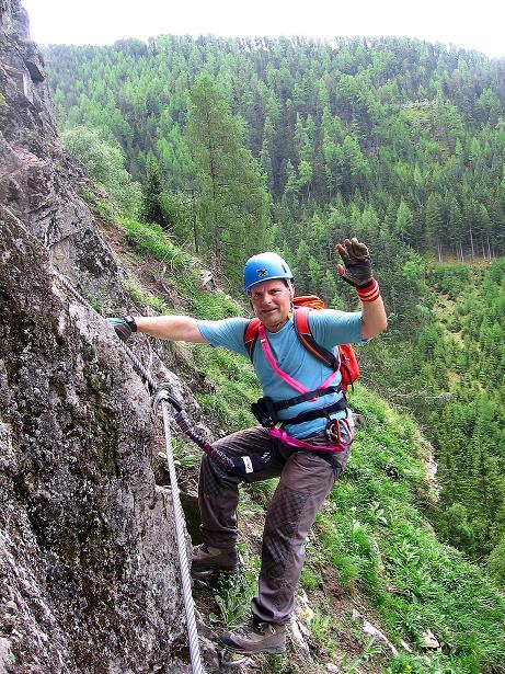 Foto: Andreas Koller / Klettersteig Tour / Stuibenfall Klettersteig (1460m) / Einstieg in die Wand / 25.05.2009 18:48:19