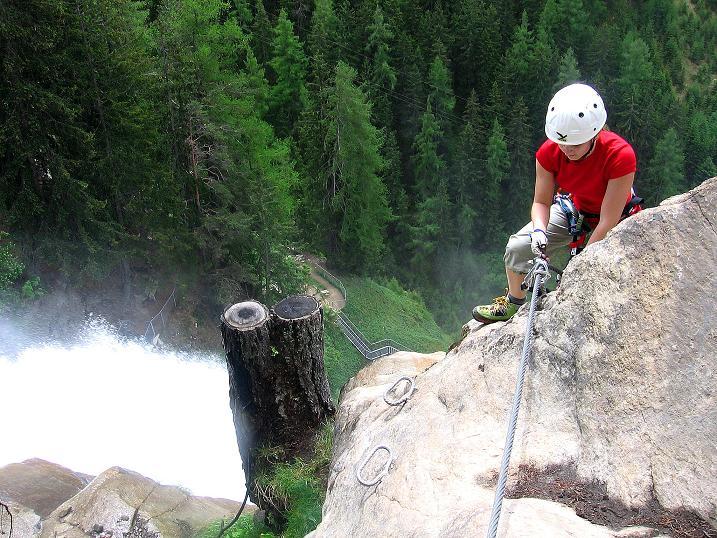 Foto: Andreas Koller / Klettersteig Tour / Stuibenfall Klettersteig (1460m) / Ausstieg aus der Wasserfall Kante / 25.05.2009 18:45:02