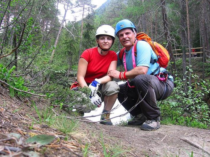 Foto: Andreas Koller / Klettersteig Tour / Stuibenfall Klettersteig (1460m) / Geschafft! Am obersten Rand des Stuibenfalls / 25.05.2009 18:41:41