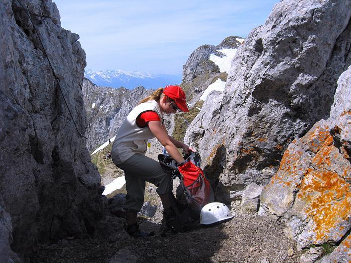 Foto: Andreas Koller / Klettersteig Tour / Karwendelspitze Klettersteig (2385m) / Beim Einstieg / 27.05.2009 23:13:52