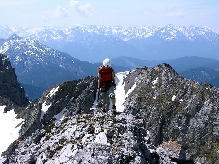 Foto: Andreas Koller / Klettersteig Tour / Karwendelspitze Klettersteig (2385m) / Am aussichtsreichen Grat / 27.05.2009 23:11:16