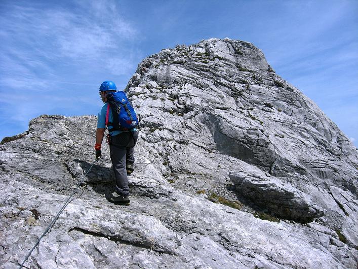 Foto: Andreas Koller / Klettersteig Tour / Karwendelspitze Klettersteig (2385m) / Am Grat / 27.05.2009 23:10:40